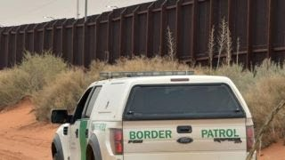 Border agent killed by immigrants using rocks, report says thumbnail