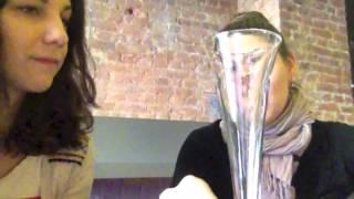 Как выбрать бокал для игристого вина?(Сомелье Катя Мельникова дает Cookeryblog полезные советы относительно выбора правильного бокала., 2013-03-28T18:59:02.000Z)