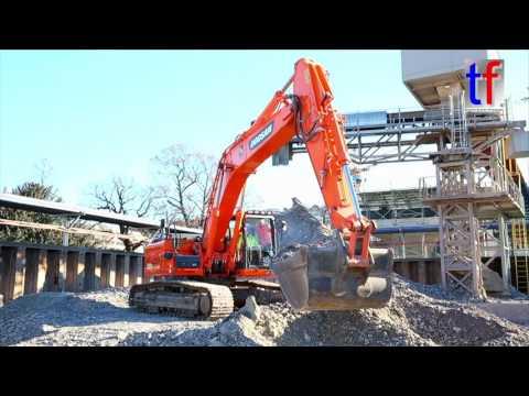 DOOSAN DX300LC-4 Child & Visitor @ Work, Stuttgart 21, Tag der offenen Baustelle, 06.01.2017.