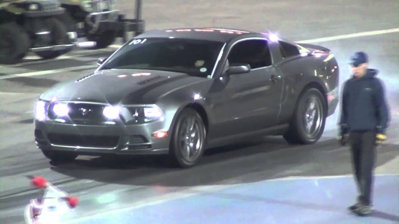 Flat Black Nissan Gtr Vs 2013 Ford Mustang Gt Drag Race
