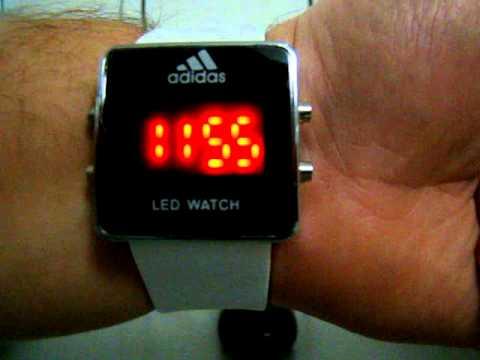 Часы Adidas с белым ремешком