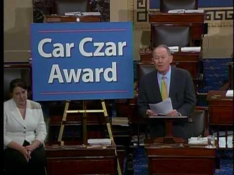 Senator Lamar Alexander Gives Car Czar Award to Rep. Barney Frank