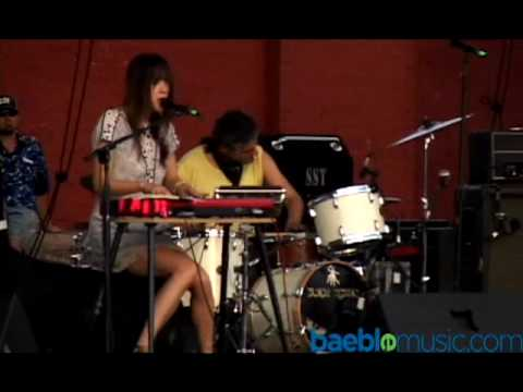 Blonde Redhead - Publisher (Live HQ).