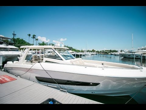 2019 Boston Whaler 420 Outrage Boat For Sale at MarineMax Fort Myers