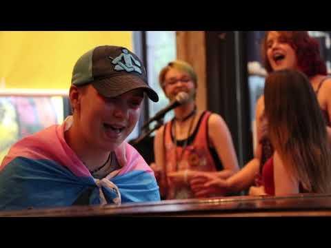 Giving Tuesday 2020 / Support LGBTQIA OrganizationsKaynak: YouTube · Süre: 25 saniye