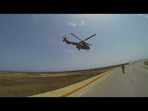 Eurocopter AS 532 Cougar DESPEGANDO DESDE EL FRENTE