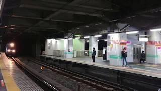 赤羽駅を通過するEH200、EH500、EF65貨物列車