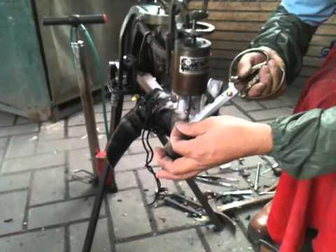 Chinese Street Cobbler Handcranked Sewing Machine On Boot Repair Interesting Cobbler Sewing Machine