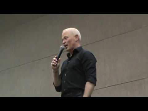 Neal McDonough Phoenix Comicon 2017