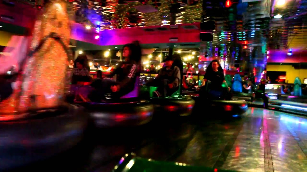 Bumper Cars @ John's Incredible Pizza, Buena Park - YouTube