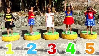 Balita Jadi Superhero - Five Superhero Jumping On The Bed - Batman, Wonder Women, Spiderman