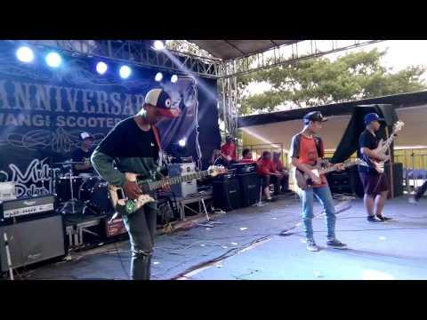 DHERESTARASTA - Satu Vespa Sejuta Saudara ( cover freddy marley ) Live Banyuwangi BSC