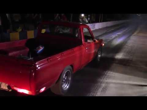 Jale entre datsun turbo ka24 Vs Civic SI turbo arrancones 1/4 de milla Aguascalientes 4 vientos