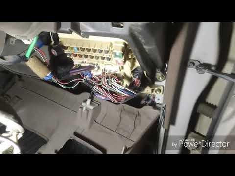 Замена блока управления Toyota Vista SV40, не работает центральный замок на закрытие дверей.
