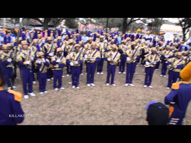 St. Augustine v.s. Hunters Lane High School Marching Band @ 2015 Hermes Parade