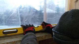 видео Установка окна ПВХ – подготовка проема