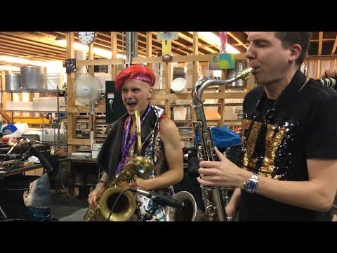Leo P & Eli Bennett Saxophone Funk Jam @ Winnipeg Folk Festival (2018)