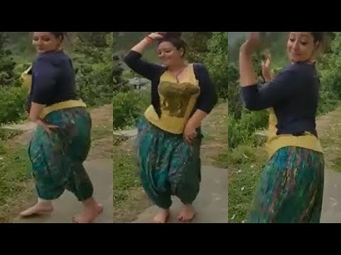 Desi Girl Dance On Road, Chal Chaliye Pathankot Nu By DSS @ YouTube