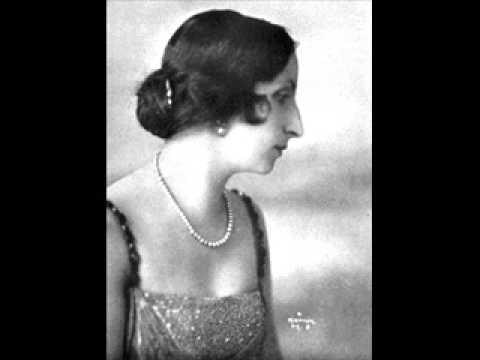 Amelita Galli-Curci - La Traviata : Sempre Libera (Verdi)