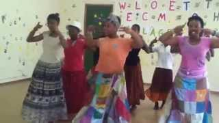 Cute African Kids dancing on Bollywood Song!!