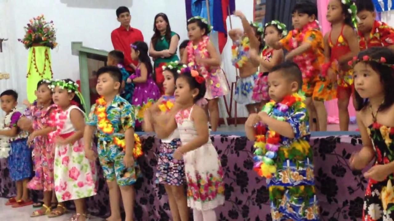 Kids Hawaiian Outfits  sc 1 st  YouTube & Kids Hawaiian Outfits - YouTube