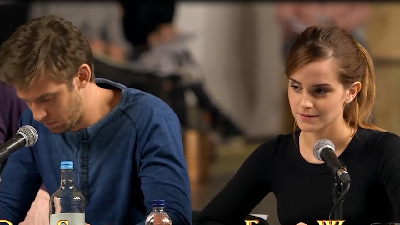 First Look At Emma Watson Dan Stevens As Beauty The Beast