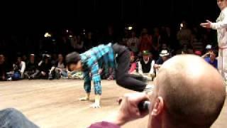 Funky Masons vs Sunshine Ninjas Floor Wars 2010