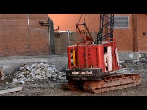 OLD FMC LINK-BELT CRANE WORKING DOWNTOWN