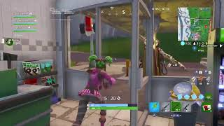 Ibisnipez playing trios in Fortnite with subscribers # Giveaway