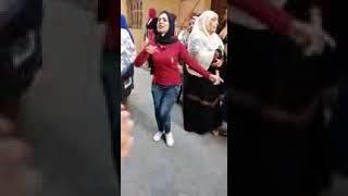 رقص فاجر بنات في الشارع علي مهرجان اصحابي اخصامي +18
