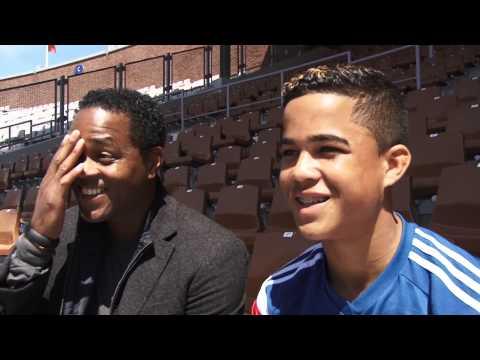 """Dubbel-interview familie Kluivert: """"Misschien train ik ooit mijn zoon bij Ajax"""""""