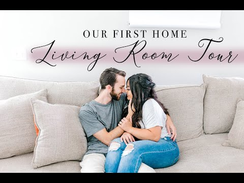 OUR FIRST HOUSE 2019  \  LIVING ROOM TOUR thumbnail