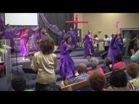Tasha Cobbs put a praise on it praise dance