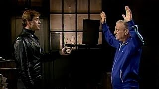Rodney Dangerfield Gets Mugged!