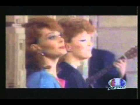 The Judds - Love Is Alive