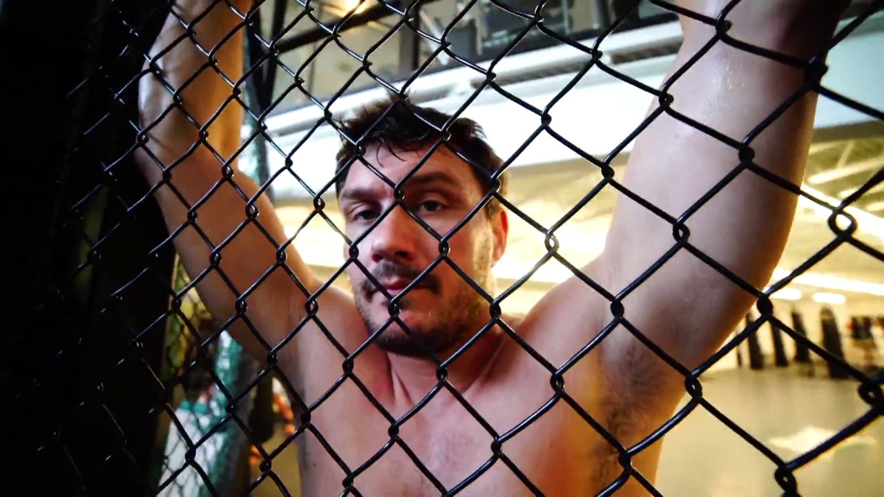 Matt Mitrione Beats Fedor Emelianenko in Round 1 at Bellator 180