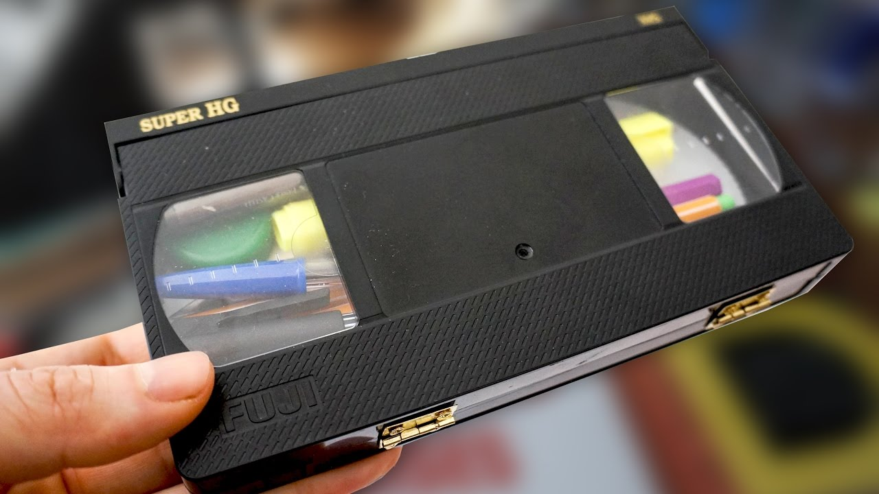 How To Make A Cool Pencil Case From A VHS Tape