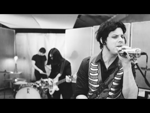Клип The Raconteurs - Salute Your Solution