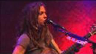 Ani DiFranco - Shy (Solo - 2003)