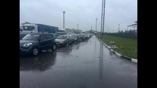 Россия закрыла пропускной пункт на границе с Украиной. Километровые очереди