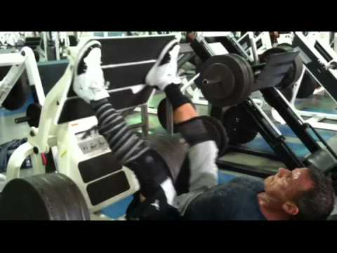 Marc Nadeau performing leg press aiming hamstrings