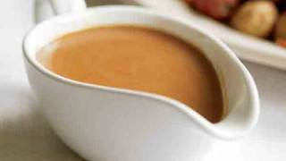 How to Make Gravy for Roast Turkey