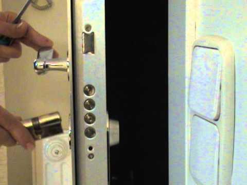 Cambio de cerradura para torpes youtube - Bombin cerradura puerta blindada ...