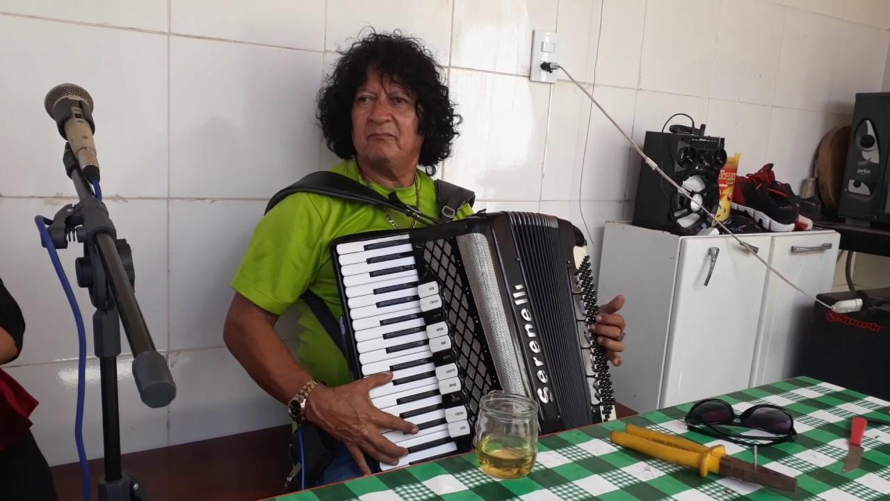 ESCADARIA - CHICO CABELUDO