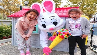 The got Öykü and Masal İce cream from the colors -  Fun Kids Video