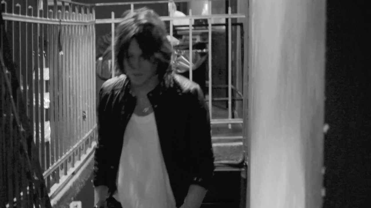 """COVERHEADS """"Que me Queda"""" (Video Oficial)"""
