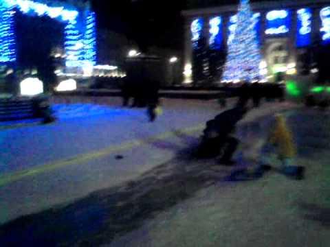 Травмоопасные горки на центральной площади Кемерова