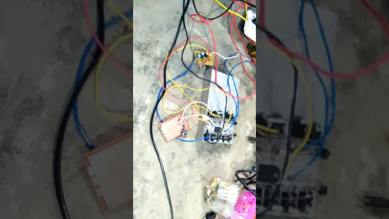 Inverter by ic 4047 - YouTube