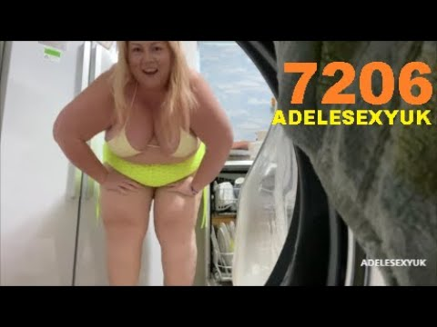 Download BBW ADELESEXYUK PUTTING OUT HER WASHING IN HER BATHROOM 7206