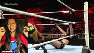 WWE Raw 7/27/15 Sasha Banks vs Paige
